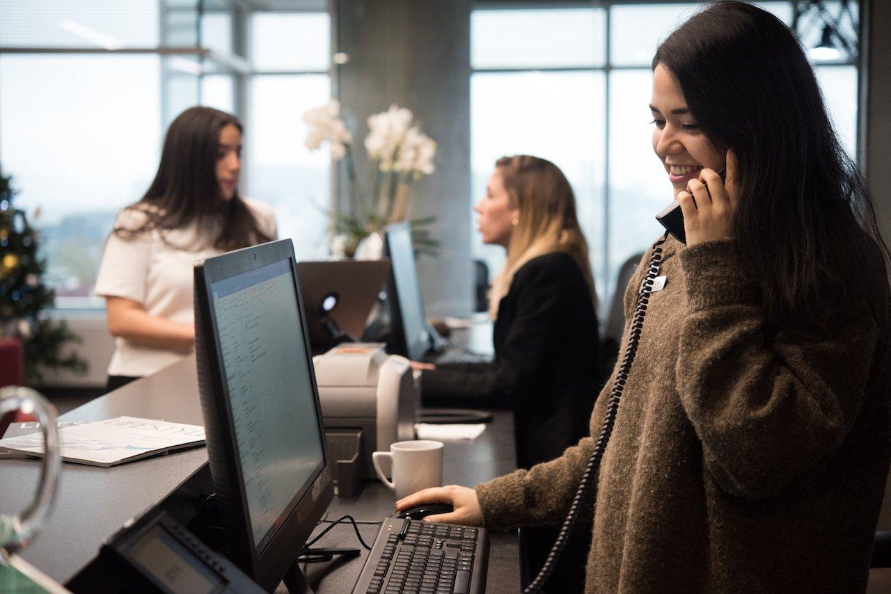 Asistente ejecutiva en IOS Offices.